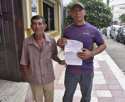 Comuneros reclaman por tarifa de agua de $104