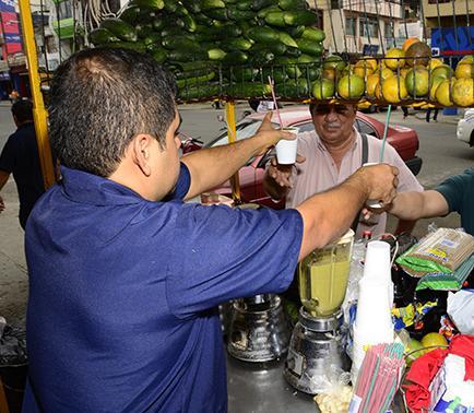 Los jugos de frutas hidratan y mejoran la digestión