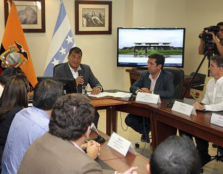 Rafael Correa va a oxigenar su gabinete