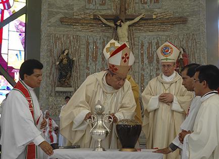 Monseñor Francisco Vera, obispo manabita, fallece a los 71 años