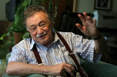 Sepultan los restos del poeta Mario Benedetti junto a los de su esposa