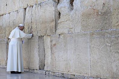 El Papa escribió en su carta el Padre Nuestro