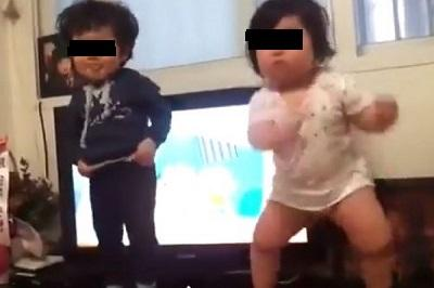 Dos niños coreanos baten récord en la Internet
