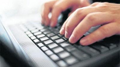 Responsable de la RAE pide cuidado y responsabilidad al escribir en Internet
