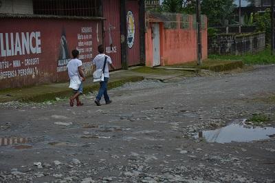 Calles en mal estado aquejan a la urbanización Ierac 53 de Santo Domingo