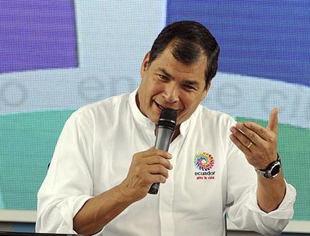"""Reelección será un """"último recurso"""", según Correa"""