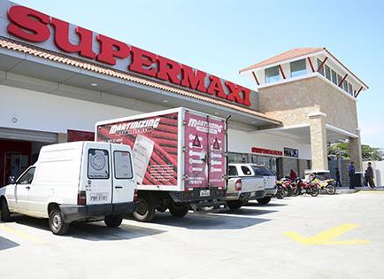 Crece la plaza de supermercados en Manta