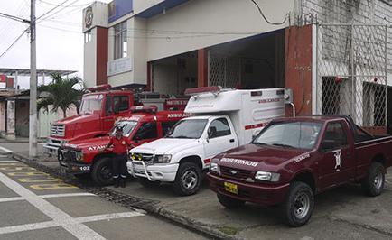Quito dona 2 vehículos a bomberos