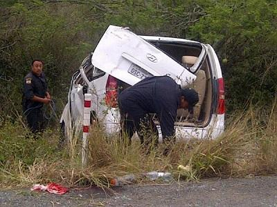 Accidente en la vía Montecristi-Guayaquil deja 5 muertos