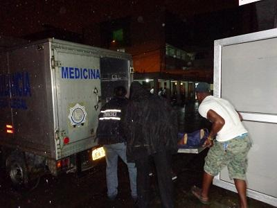 Hombre muere por un disparo en el oído en Santo Domingo