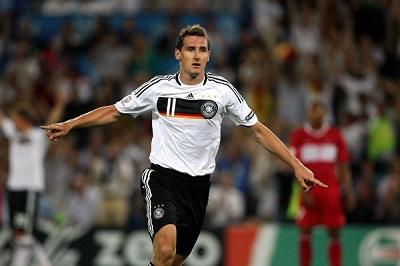 Miroslav Klose irá al Mundial y podría superar récord goleador de Ronaldo