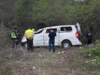 Las víctimas del accidente en la vía Montecristi- La Pila eran de Guayaquil
