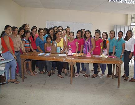 Municipio capacita a 300 personas en cursos