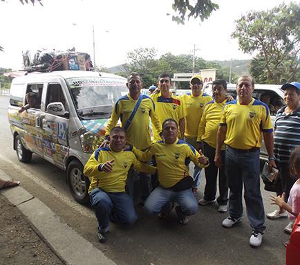 Otro grupo de manabitas partió ayer hacia Brasil
