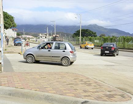 Piden semáforos en Avenida del Ejército
