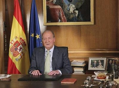 El rey Juan Carlos de España renuncia a su trono, para dar paso a su hijo Felipe