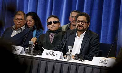 Dialogan sobre las víctimas de la guerrilla