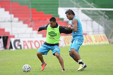 Liga (P) no tendrá a Hugo   Vélez contra el Macará