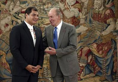 Rey de España deja su trono y abdica en favor de su hijo