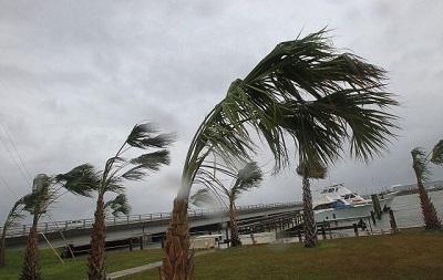 Los huracanes con nombres de mujer son más destructivos, según estudio