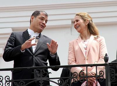 La infanta Elena conocía la decisión del rey Juan Carlos antes de llegar a Ecuador