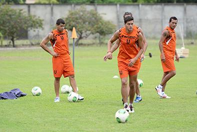 Técnico de Liga de Portoviejo busca el reemplazo de Vélez