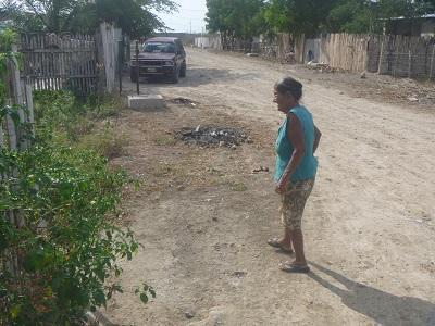 Moradores del barrio Eloy Alfaro están sin agua y llenos de polvo