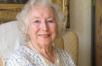 La cantante Vera Lynn, cerca de las listas de éxitos a sus 97 años