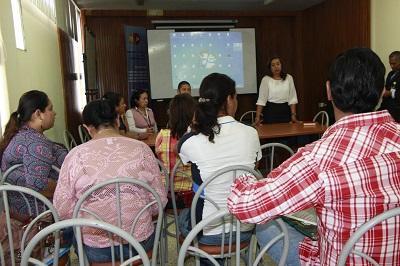 Brindan taller a médicos rurales