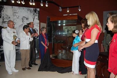 Silla que perteneció a Eloy Alfaro es exhibida en Montecristi