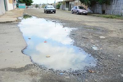 Piden arreglo de calle de la parroquia Eloy Alfaro