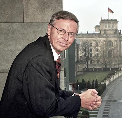 "Pierden $500 mil por ""culpa"" de Angela Merkel"