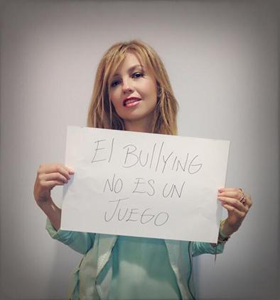 Thalía se une a campaña en contra del bullying