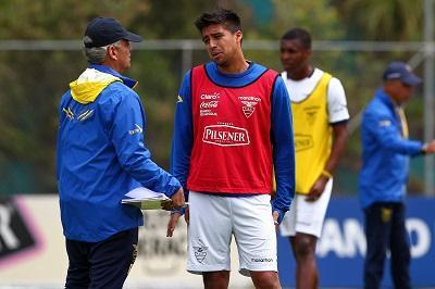 Cristhian Noboa sufre una contractura crónica, pero si llegará al Mundial Brasil 2014