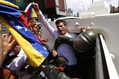 El opositor Leopoldo López será enjuiciado por incitar la violencia en Venezuela