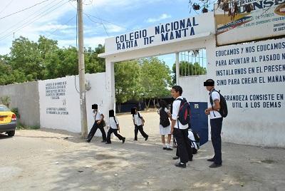 Colegio Bahía de Manta realiza actividades por aniversario