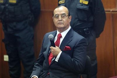 Vladimiro Montesinos se niega a declarar en juicio contra Alberto Fujimori