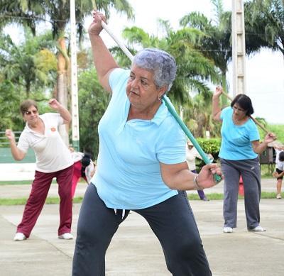 Importancia del ejercicio físico en los adultos mayores