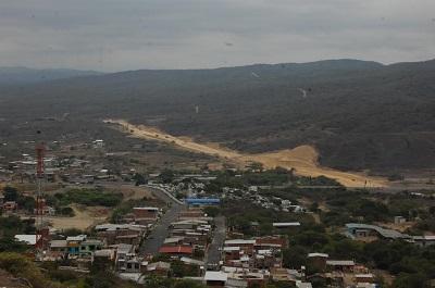 Construcción de vía sigue generando críticas en Montecristi