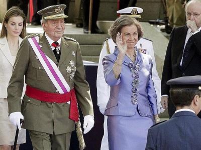 El rey Juan Carlos se despide de las Fuerzas Armadas de España