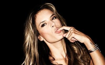 La modelo Alessandra Ambrosio cambia la pasarela por el plató de cine