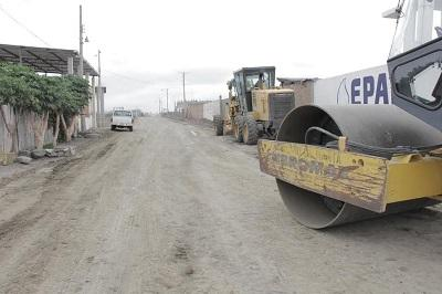 Realizan mejoramiento en calles del barrio Nueva Esperanza