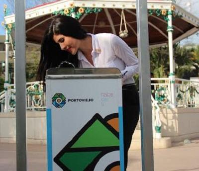 Instalan un bebedero de agua en el parque Central de Portoviejo