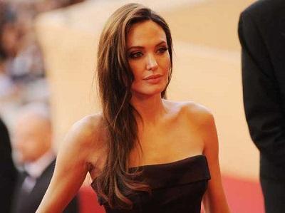 Angelina Jolie dedica la cumbre contra la violencia sexual a una mujer de Bosnia