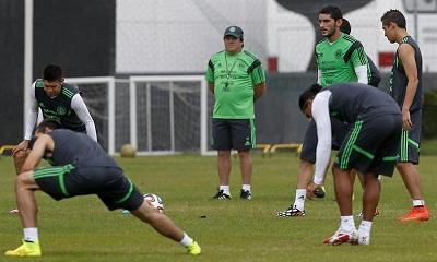 Selección mexicana trabaja sin testigos en día con lluvia en Santos