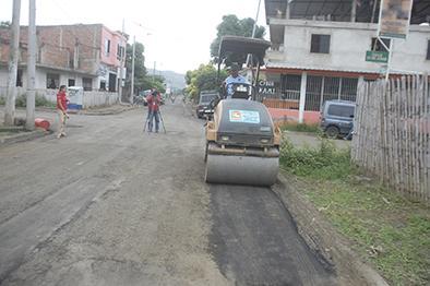 Buscan convenio para 65 calles de Portoviejo