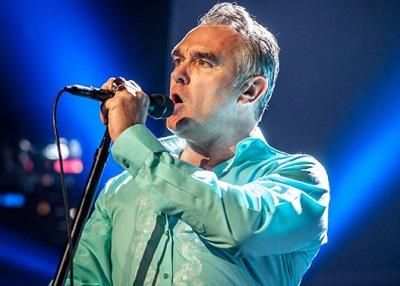 Morrissey cancela su gira por EE.UU. tras desmayarse