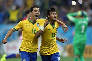 Brasil gana en su debut mundialista