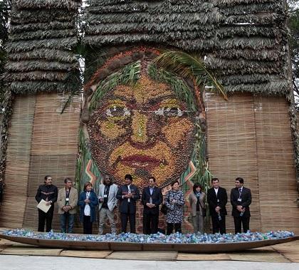 Raúl Castro defiende a Venezuela ante intento 'oligarca' de derrocar a Maduro