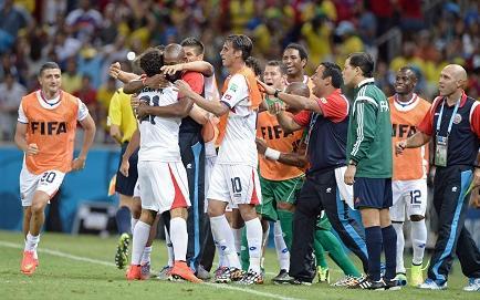 Costa Rica remonta y sorprende por 3-1 a Uruguay (Videos)